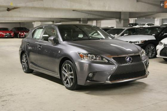 2017 Lexus CT 200h:16 car images available