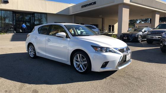 2017 Lexus CT 200h:24 car images available