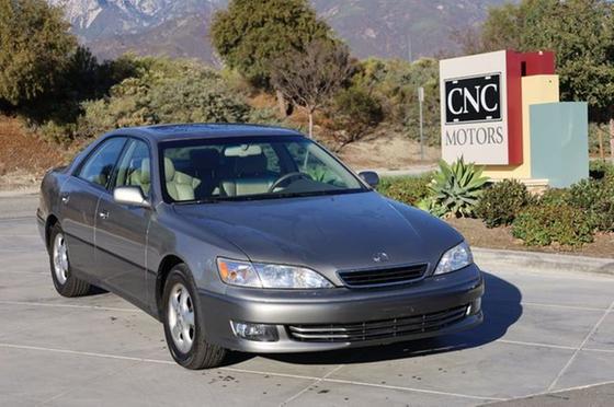 2000 Lexus ES 300:24 car images available