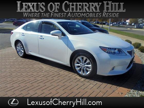 2015 Lexus ES 300H:23 car images available