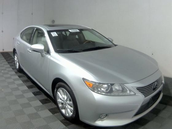 2014 Lexus ES 300H:24 car images available
