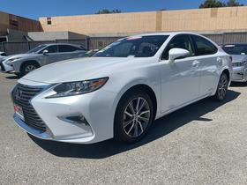 2018 Lexus ES 300H:21 car images available