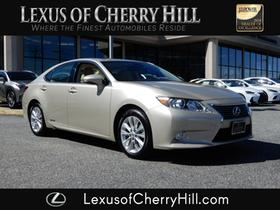 2013 Lexus ES 300H:24 car images available