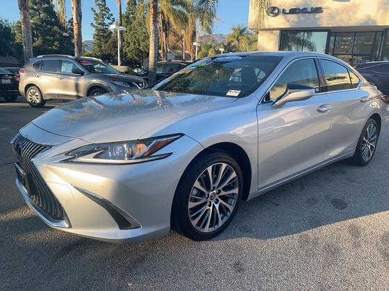 2019 Lexus ES 300H:8 car images available