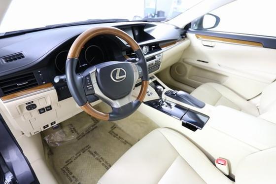 2013 Lexus ES 300H