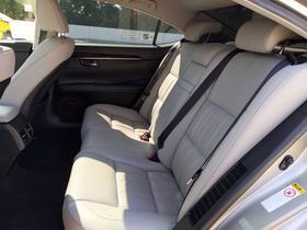 2018 Lexus ES 300H