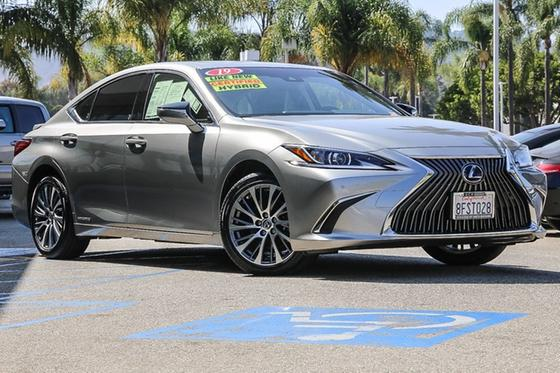 2019 Lexus ES 300H:24 car images available