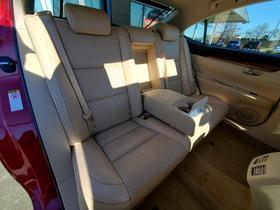 2015 Lexus ES 300H
