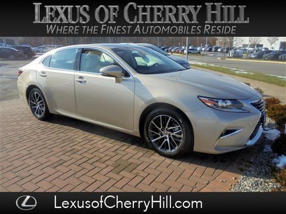 2017 Lexus ES 350:23 car images available