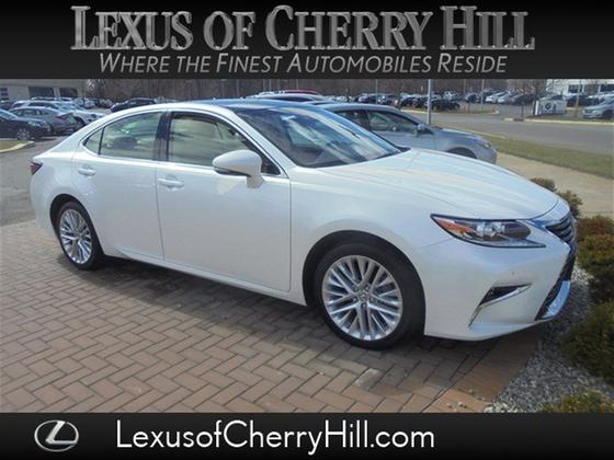 2016 Lexus ES 350:23 car images available