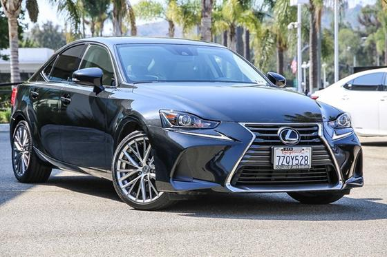 2017 Lexus IS 200t:24 car images available