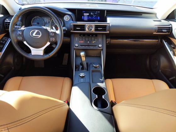 2019 Lexus IS 300