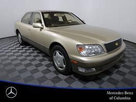 2000 Lexus LS 400:18 car images available