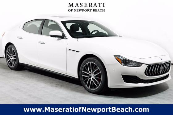 2019 Maserati Ghibli :13 car images available