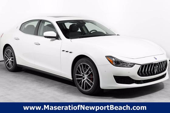 2020 Maserati Ghibli :20 car images available