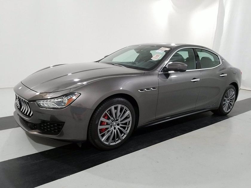 2018 Maserati Ghibli :3 car images available