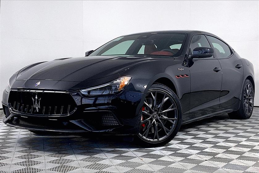 2021 Maserati Ghibli :11 car images available