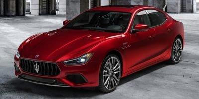2022 Maserati Ghibli :2 car images available