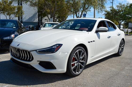 2019 Maserati Ghibli GranSport:15 car images available
