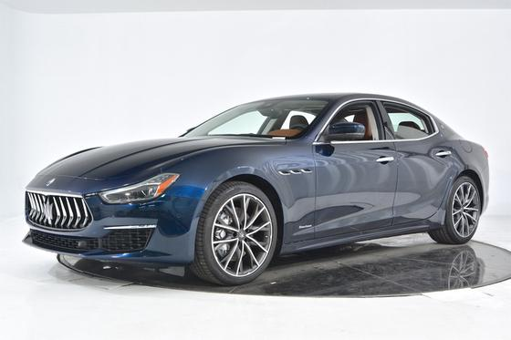 2019 Maserati Ghibli S Q4 GranLusso:16 car images available