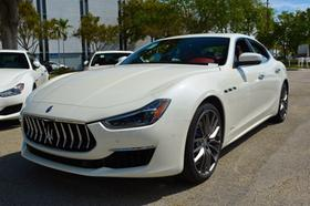 2019 Maserati Ghibli S Q4 GranLusso:20 car images available