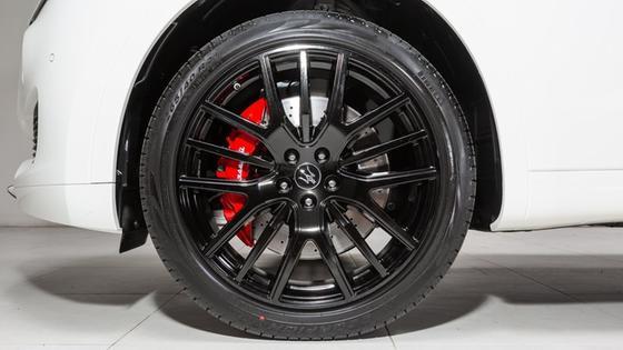 2020 Maserati Levante Nerissimo