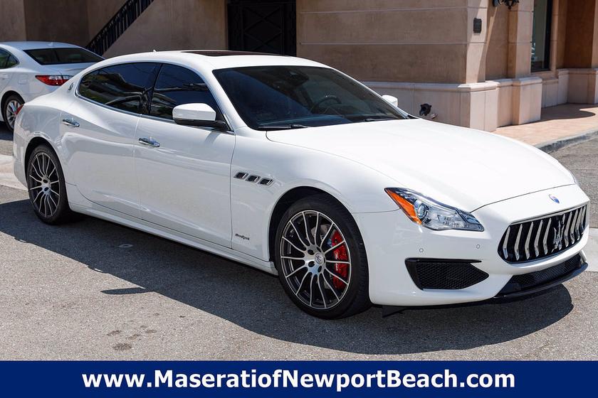 2017 Maserati Quattroporte S GranSport:17 car images available