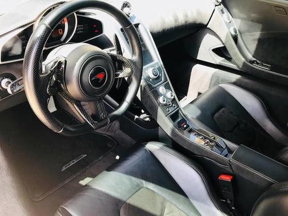 2012 McLaren MP4-12C Coupe