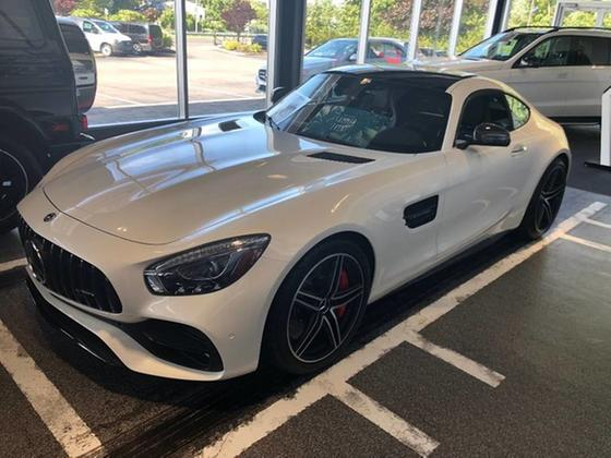 2018 Mercedes-Benz AMG GT :3 car images available