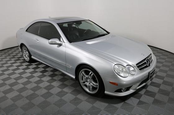 2009 Mercedes-Benz CLK-Class CLK550:24 car images available