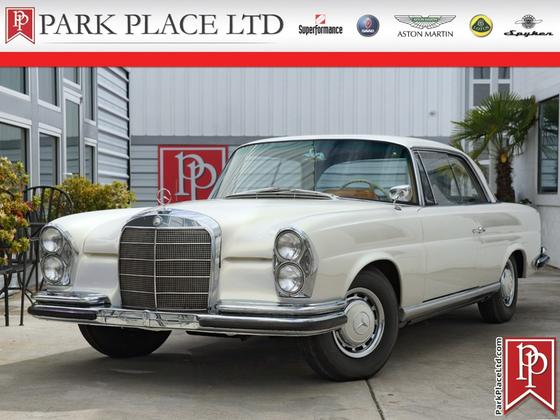 1962 Mercedes-Benz Classics 220SE:24 car images available