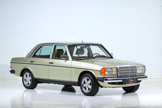 1982 Mercedes-Benz Classics 230E:24 car images available