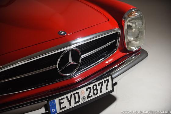 1966 Mercedes-Benz Classics 230SL