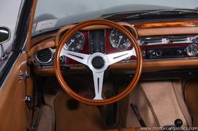 1967 Mercedes-Benz Classics 230SL