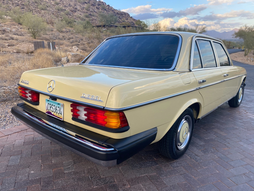 1978 Mercedes-Benz Classics 240D