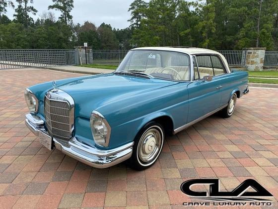 1966 Mercedes-Benz Classics 250SE:24 car images available