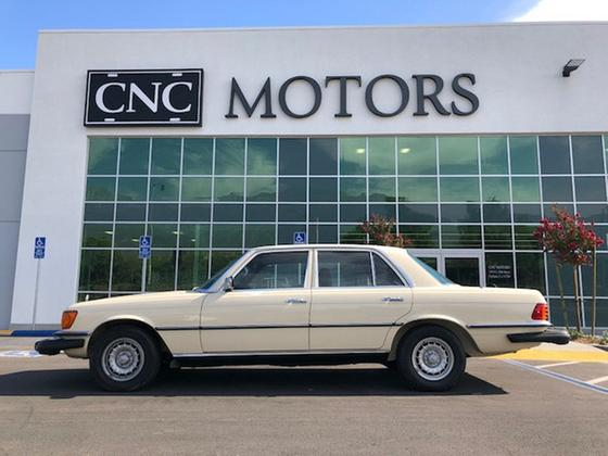 1980 Mercedes-Benz Classics 300 SD:24 car images available