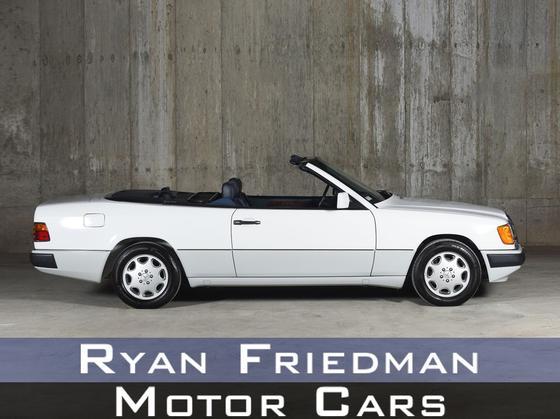 1993 Mercedes-Benz Classics 300CE:24 car images available