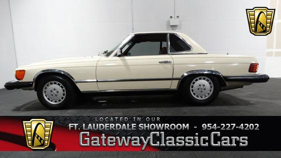1977 Mercedes-Benz Classics 450SL:24 car images available