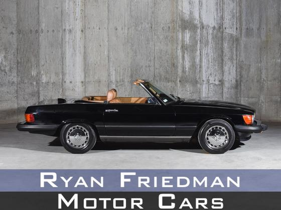1986 Mercedes-Benz Classics 560SL:24 car images available