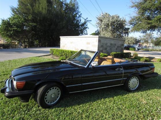 1988 Mercedes-Benz Classics 560SL:24 car images available