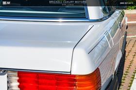 1989 Mercedes-Benz Classics 560SL