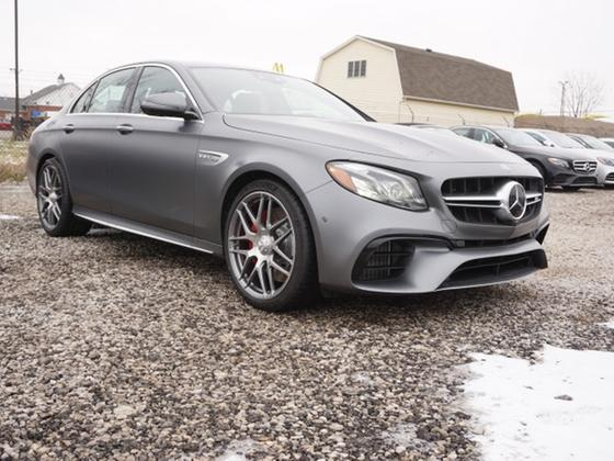 2019 Mercedes-Benz E-Class :16 car images available