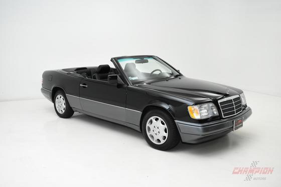1994 Mercedes-Benz E-Class E320:24 car images available