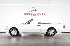 1995 Mercedes-Benz E-Class E320:24 car images available