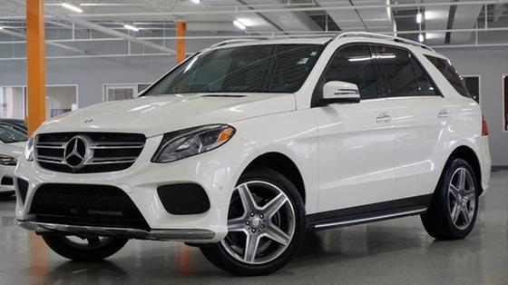 2016 Mercedes-Benz GLE-Class GLE400:24 car images available