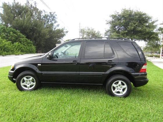 2000 Mercedes-Benz ML-Class ML320:19 car images available