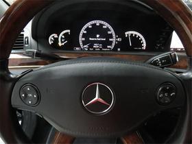 2009 Mercedes-Benz S-Class  S550