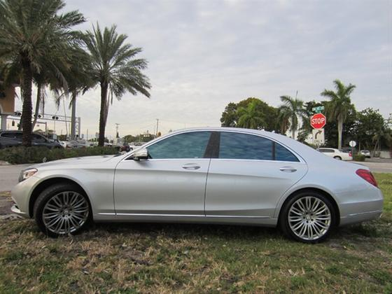 2015 Mercedes-Benz S-Class S550:20 car images available