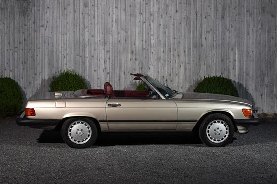 1987 Mercedes-Benz SL-Class :24 car images available